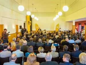 Zahlreiche Gäste waren erschienen, um der Präsentation des Landkreisbieres beizuwohnen.