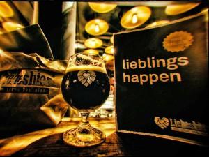 Über 20 Biere vom Hahn, dazu eine große Auswahl nationaler und internationaler Spezialitäten sowie feines Essen.