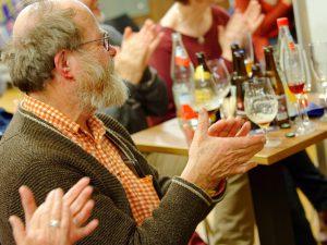 Großen Beifall verdiente sich Bestseller-Autor und Biersommelier Markus Raupach bei seiner Bier-Genuss-Lesung.