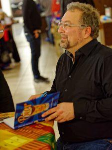 Biersommelier Markus Raupach bei seiner kleinen Autogrammstunde im Hübscher Buch & Medienhaus Bamberg.